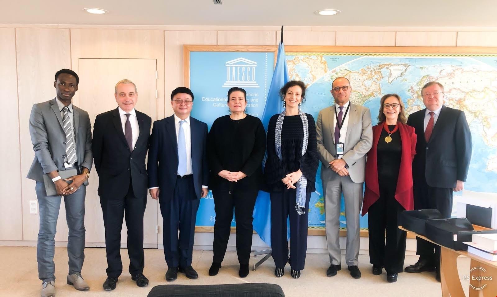 """Delegación RD ante la UNESCO preside Comisión proyecto """"Presencia por la Paz"""""""