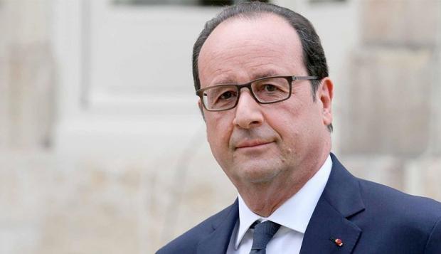 Hollande rinde homenaje a las víctimas de los atentados de enero de 2015