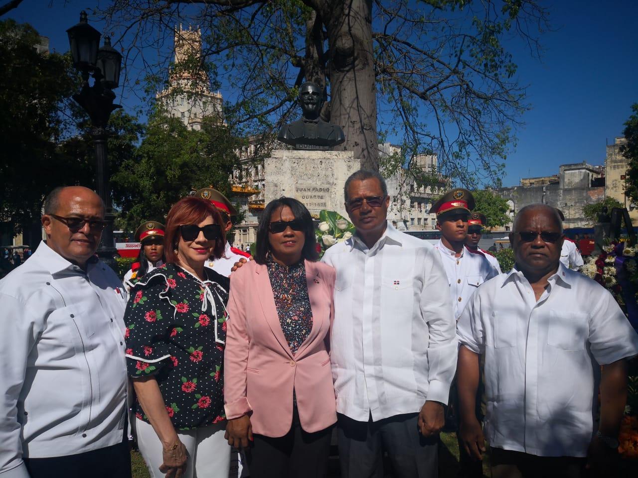 Embajador RD en Cuba deposita ofrenda floral con motivo del 175 aniversario de la Independencia Nacional