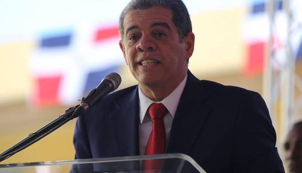 """Amarante Baret afirma """"deseos de Leonel de volver a la presidencia avivaron las presiones para reelección de Medina"""""""