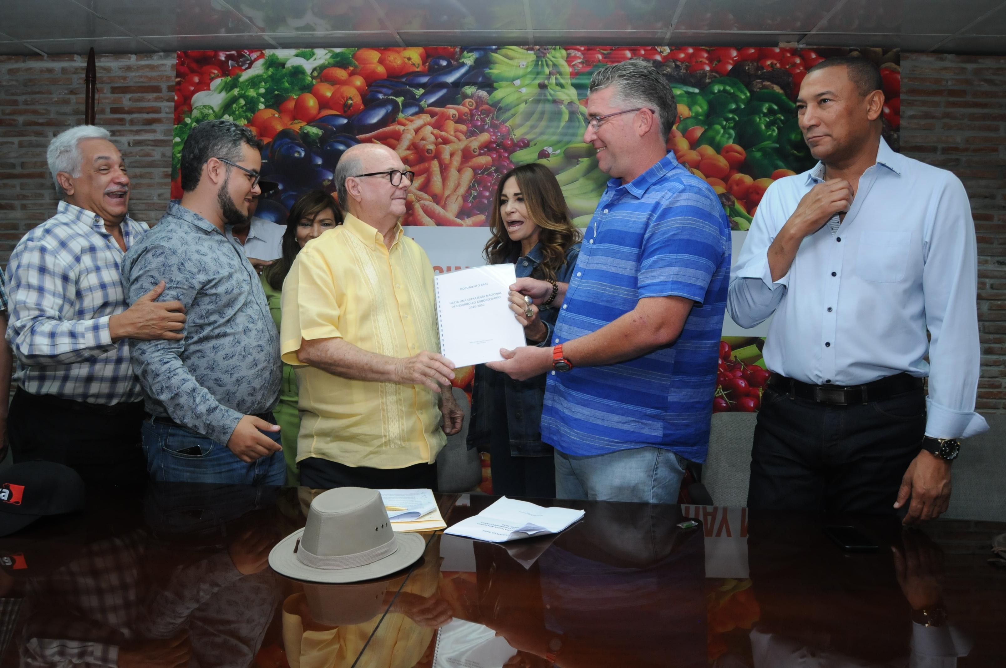 Visitas Sorpresa solo ha servido para verle la cara al presidente, dice Hipólito Mejía