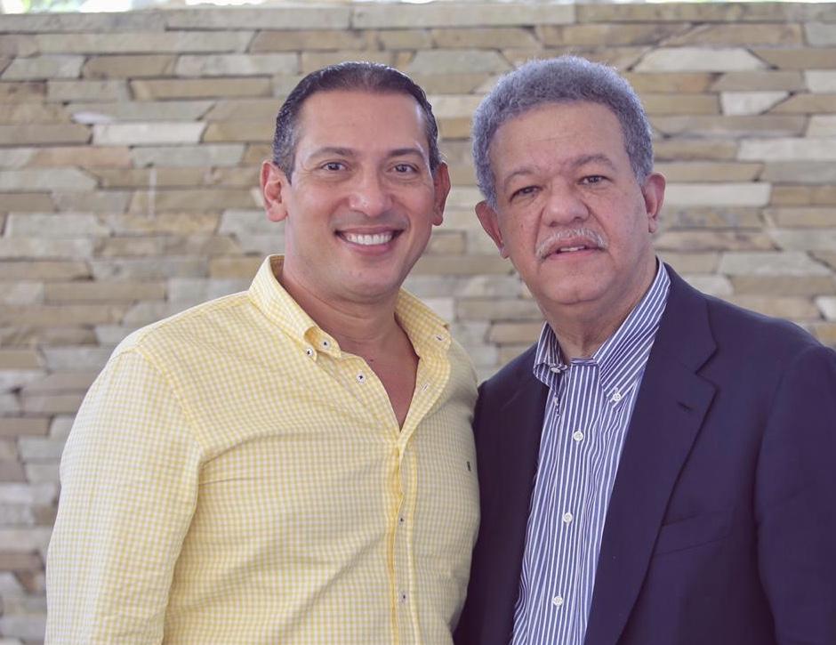 Enrique Ramírez, presenta precandidatura a senador por La Vega