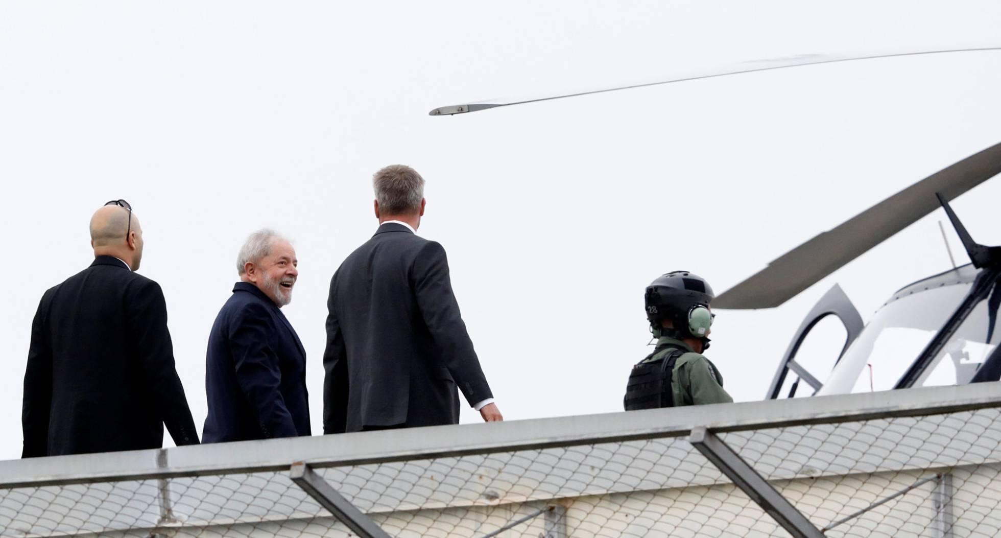 Lula deja temporalmente la cárcel para asistir al velorio de su nieto