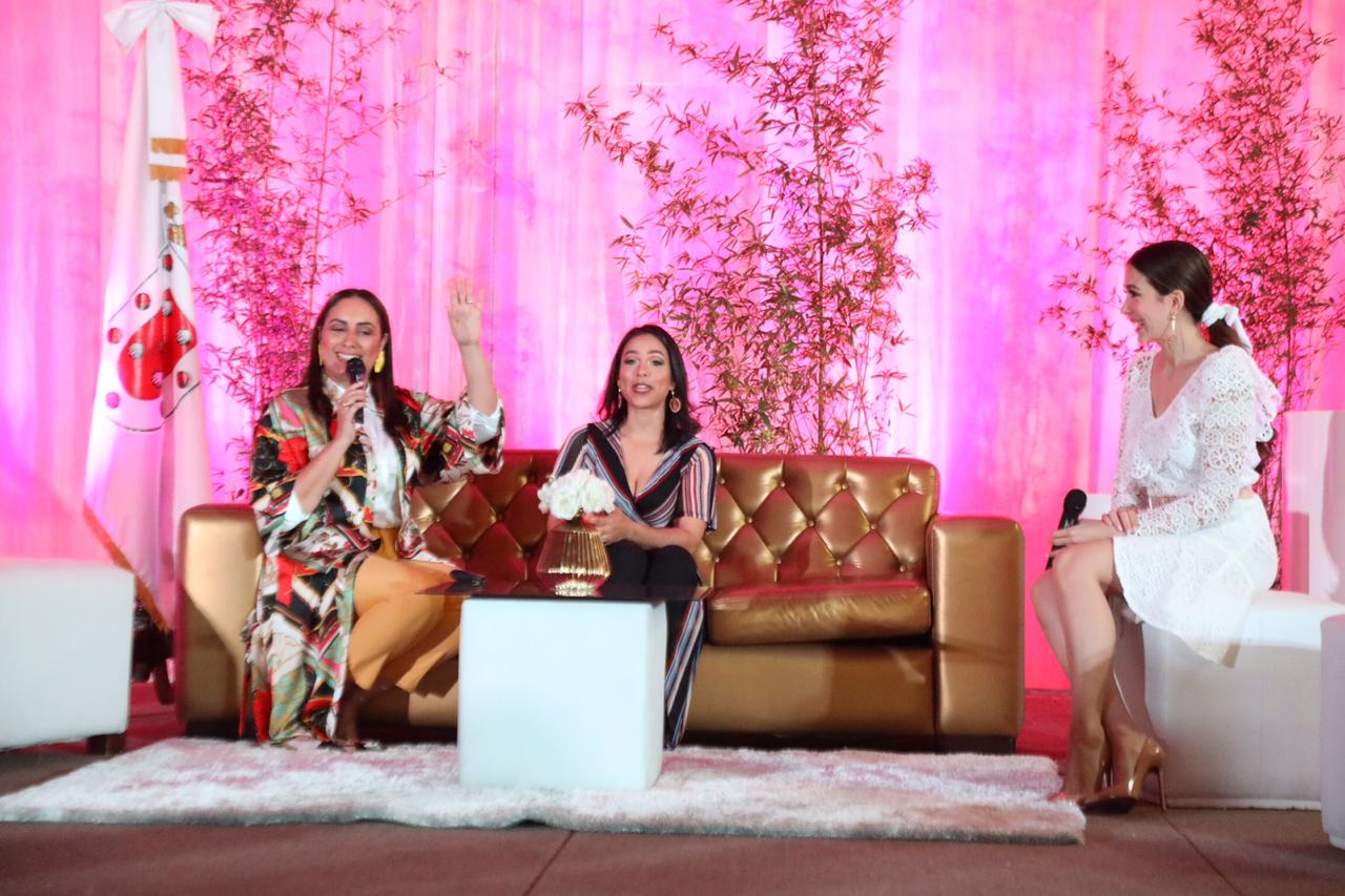 Ayuntamiento  de Santiago celebra Día Internacional de la Mujer con dos conferencias magistrales