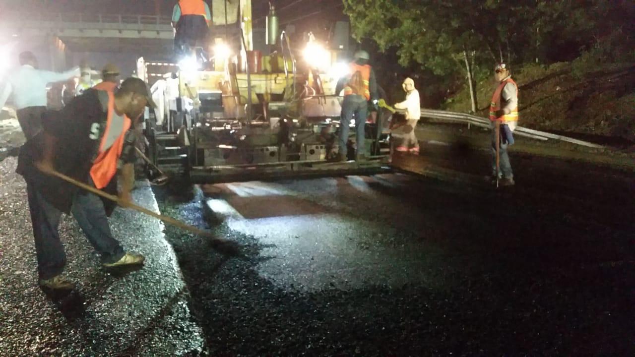 Avanzan trabajos en socavón del km 144 de autopista Duarte, esperan concluya este domingo