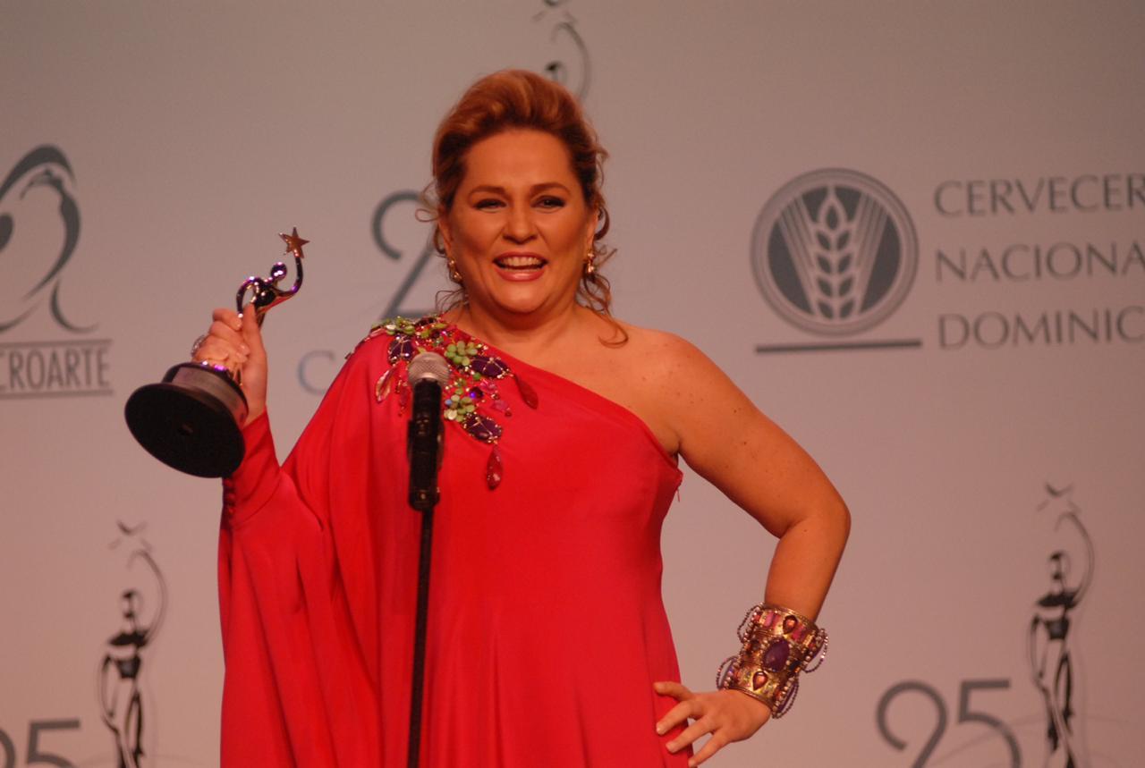Acroarte reconocerá a Jatnna Tavárez con un Soberano al Mérito por sus 35 años en la TV