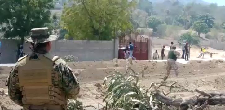 Un muerto y un herido durante enfrentamiento entre manifestantes haitianos y miembros del Ejército Nacional