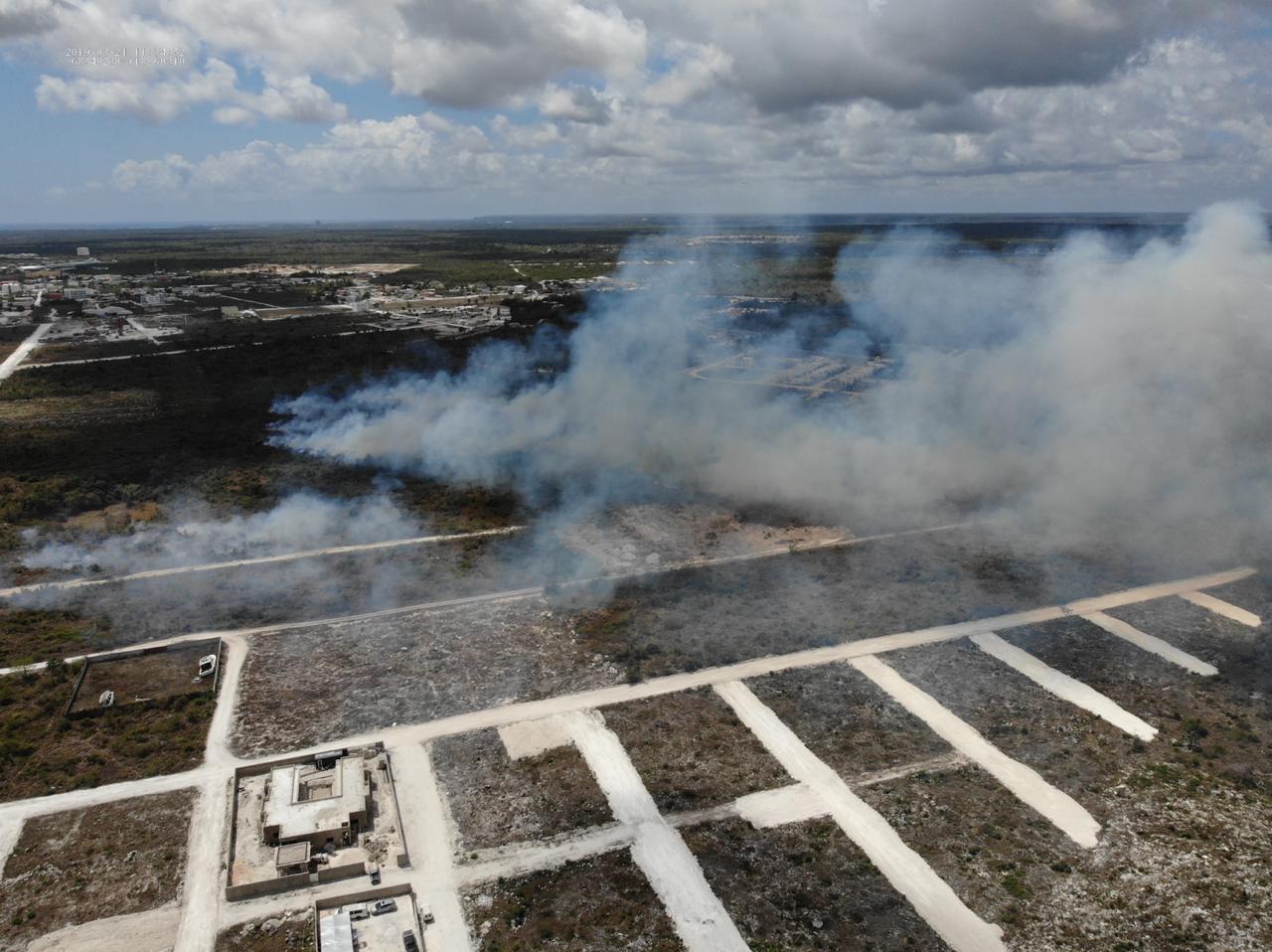 Ejército envía UHR y otros miembros para sofocar incendio en Punta Cana