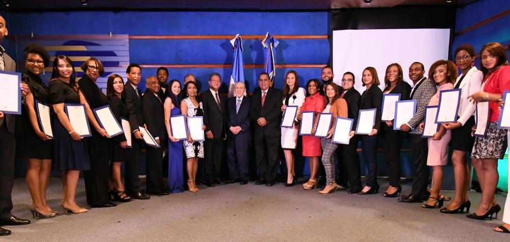 Leonel Fernández entregó los premios Funglode/GFDD 2018 en un acto en el que fueron reconocidos los periodistas Mario Rivadulla y Miguel Franjul