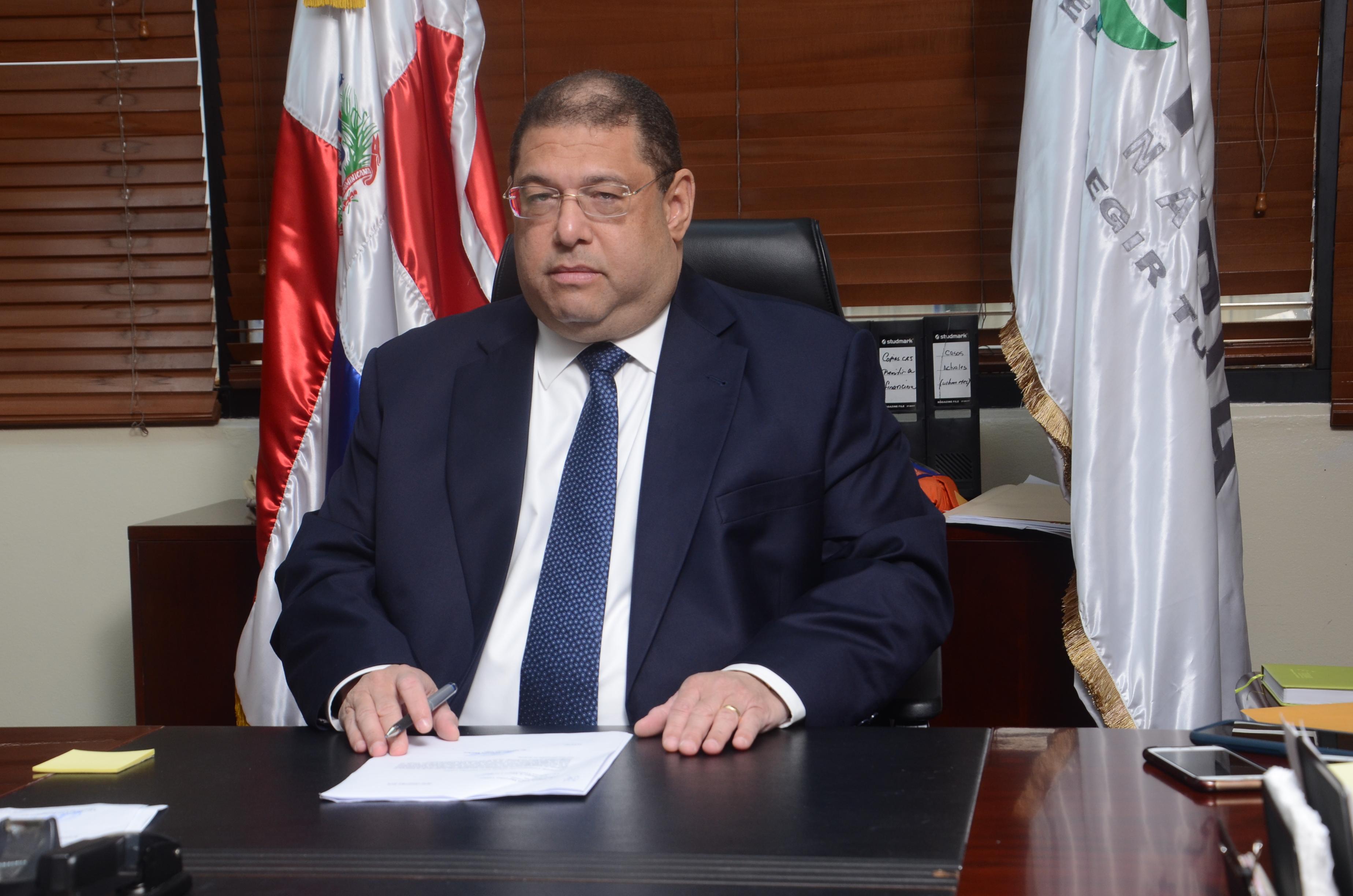 Lotería Nacional advierte sobre creación de perfiles falsos del nuevo administrador