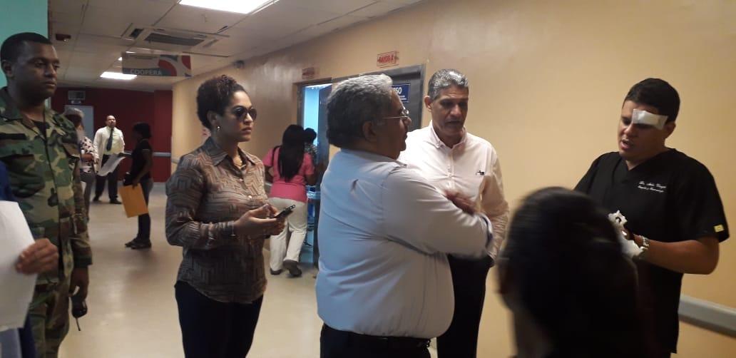 Director SNS constata situación retorna a la normalidad en  hospital Darío Contreras tras incidente entre familiares y seguridad