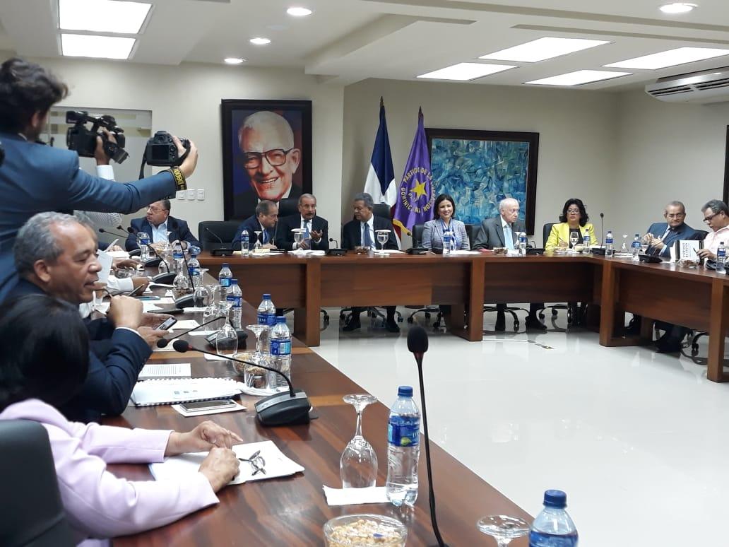 PLD crea Comisión Nacional Electoral, convoca al Comité Central para el 27 de abril