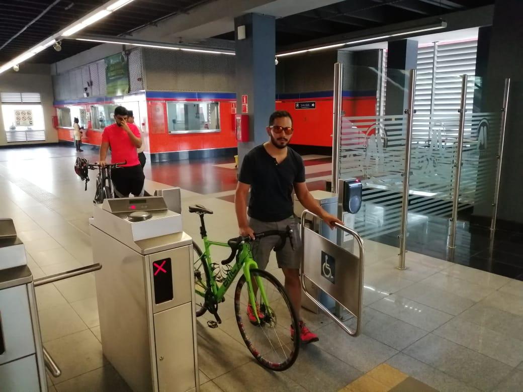 Ciclistas pueden transportar  bicicletas en  Metro  y Teleférico fines de semana y días feriados