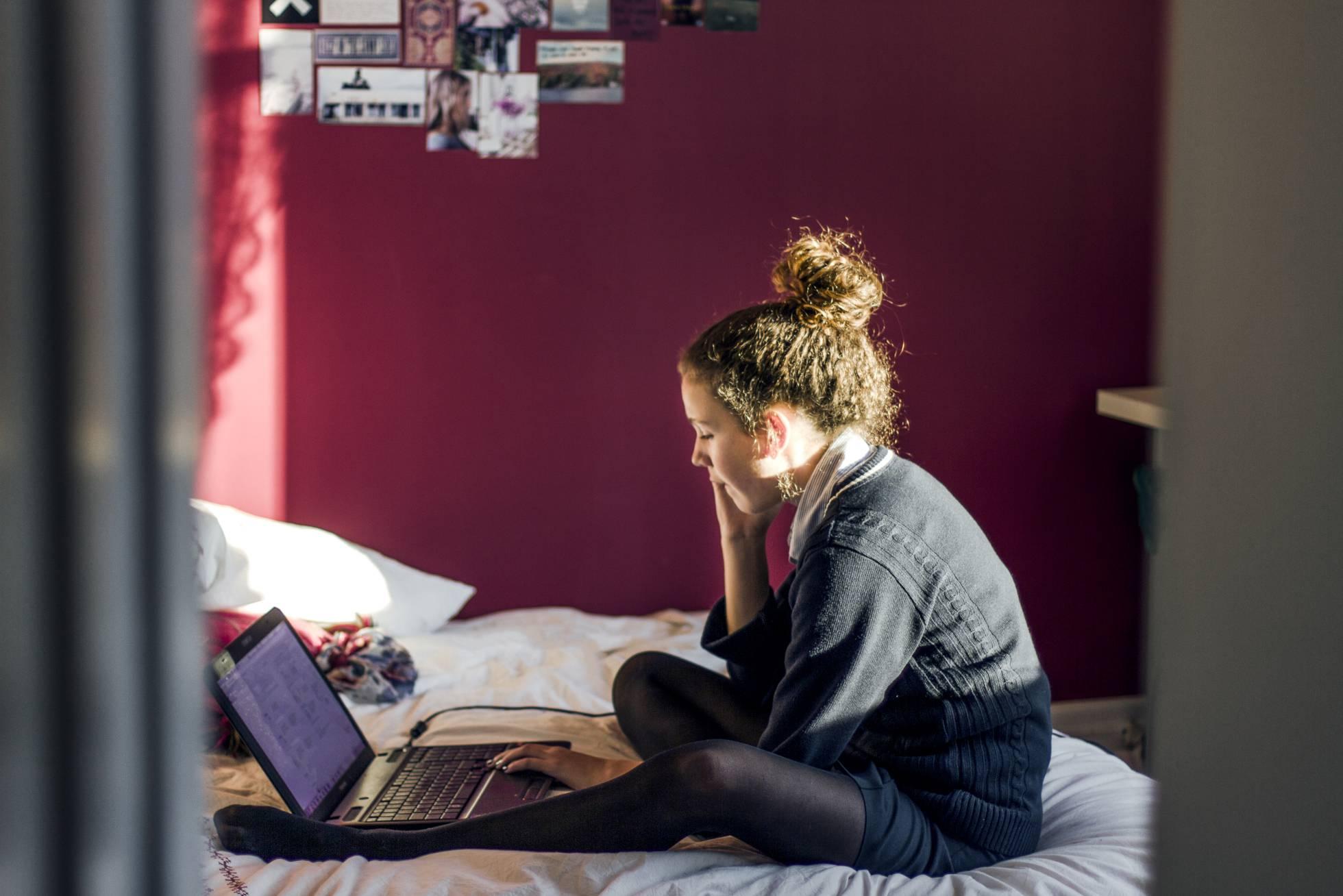 Cuantos más dispositivos electrónicos, menos tiempo de estudio