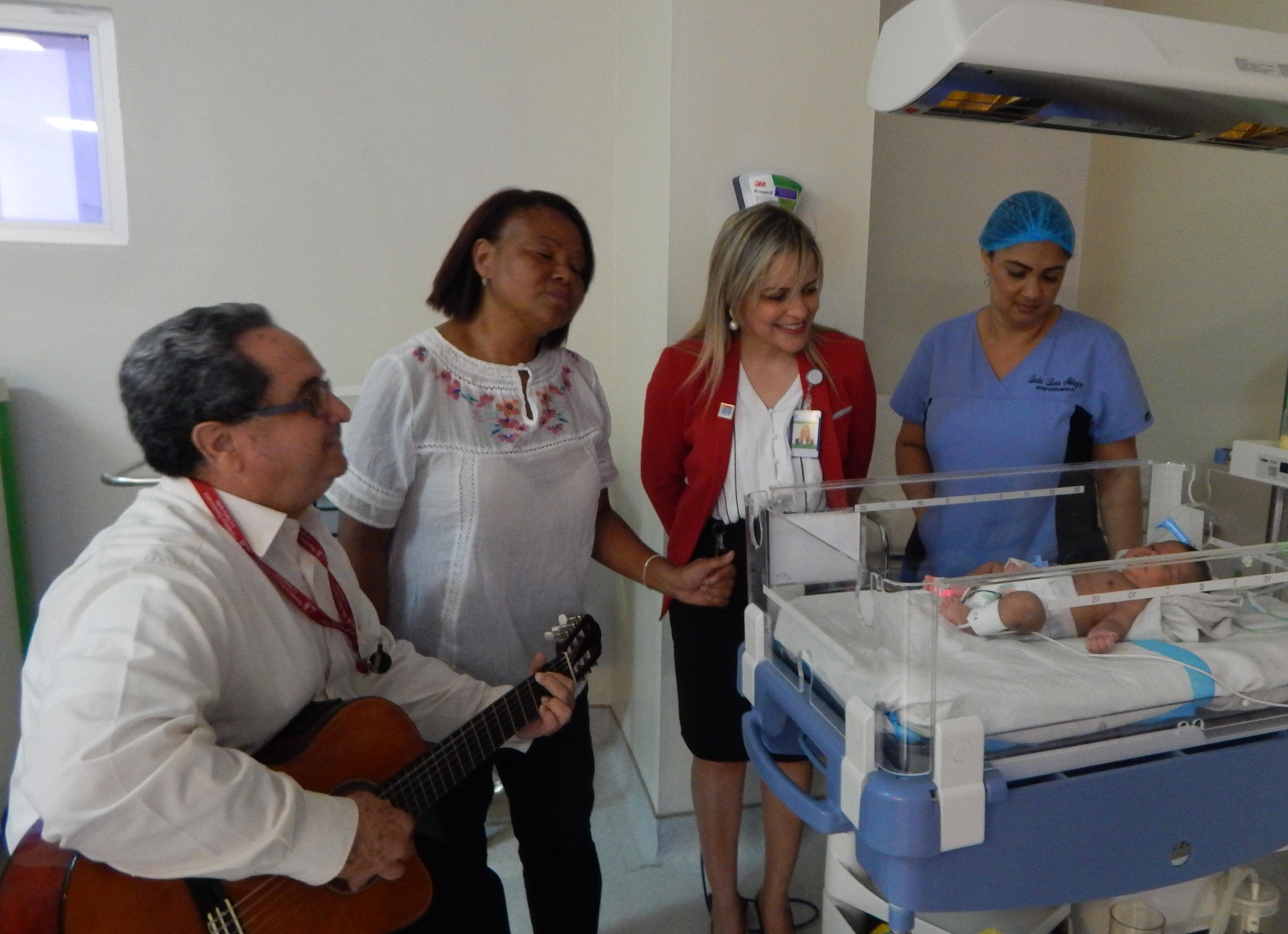 Hospital Pediátrico doctor Hugo Mendoza aplica musicoterapia en neonatos