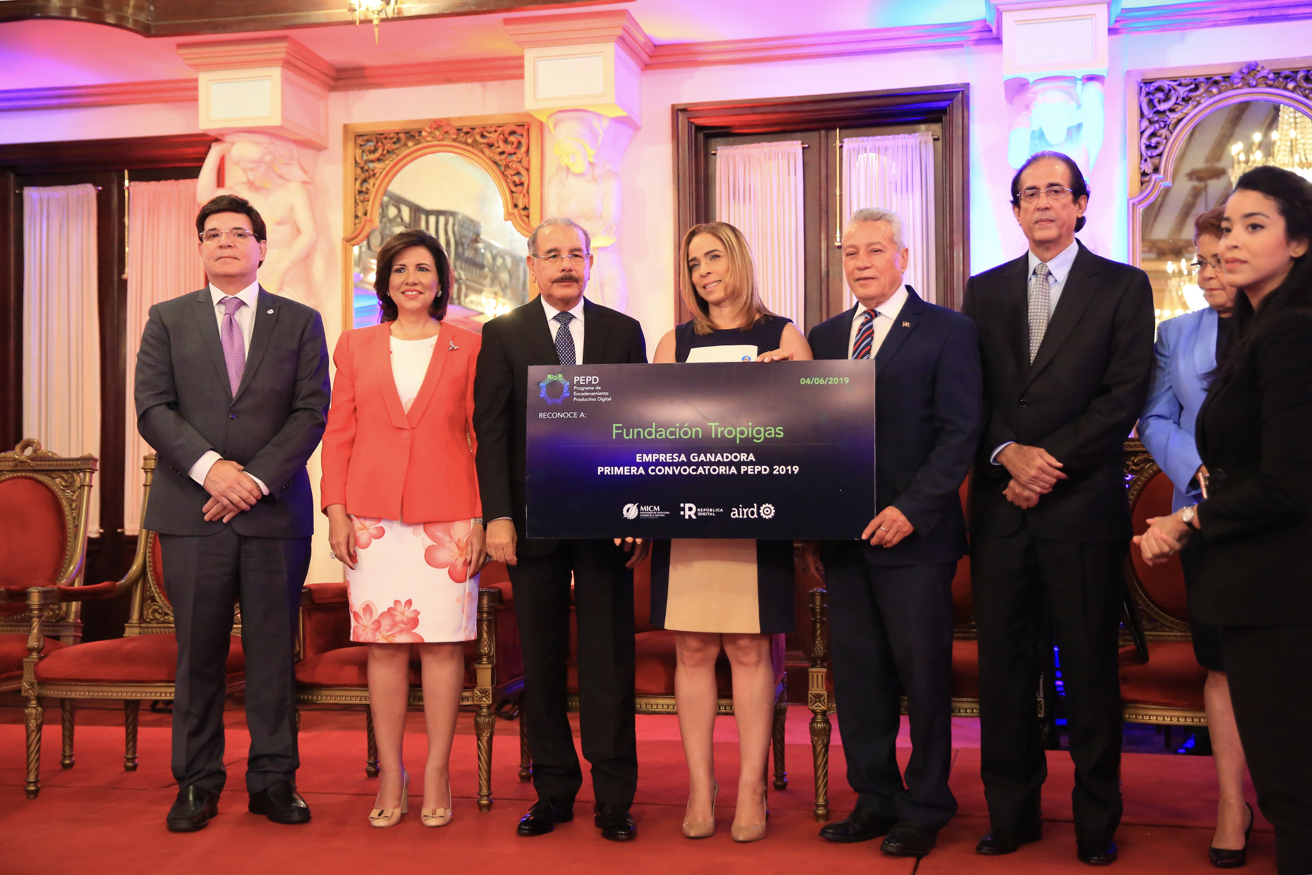 Tropigas Dominicana y Fundación Tropigas ganan premio de encadenamiento productivo digital