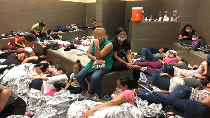 Mike Pence comprueba  condiciones inhumanas en  migrantes retenidos en Texas