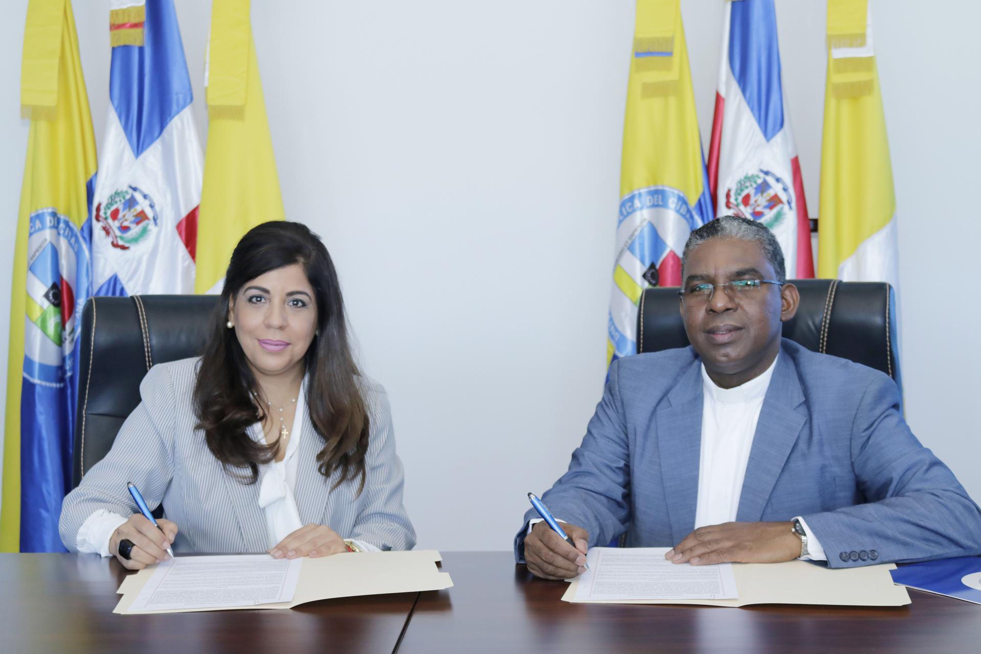 UCATECI e Induveca firman convenio para la realización de pasantías