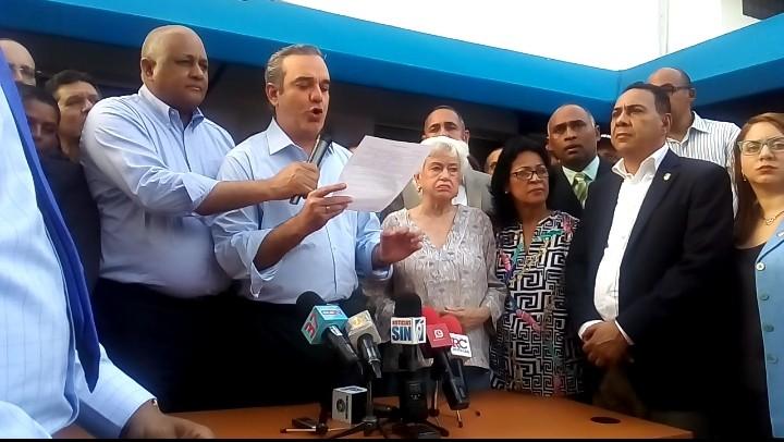 Luis Abinader denuncia proyecto de reforma constitucional está preparado y firmado