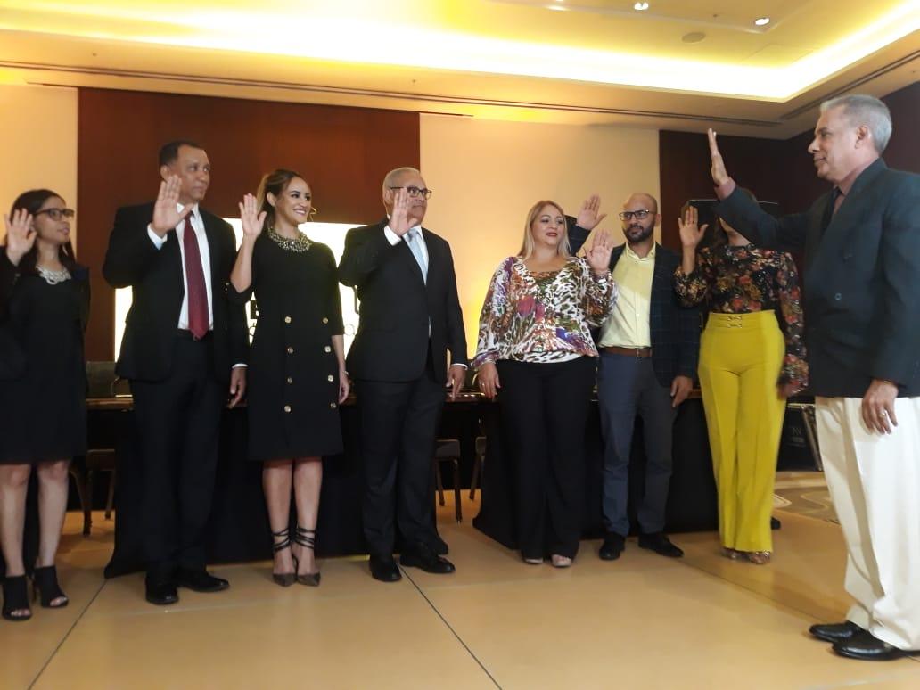 Con un firme llamado a la unidad, Alexis Beltré asume presidencia de Acroarte