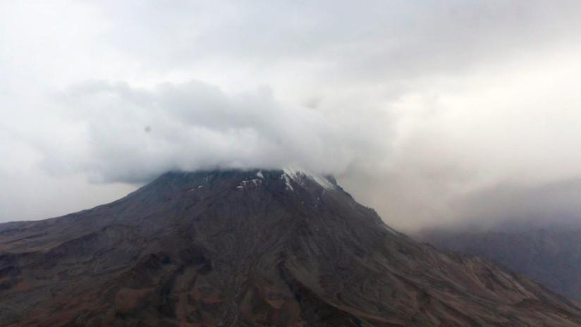 Perú en estado de emergencia tras erupción de volcán; mil personas evacuadas