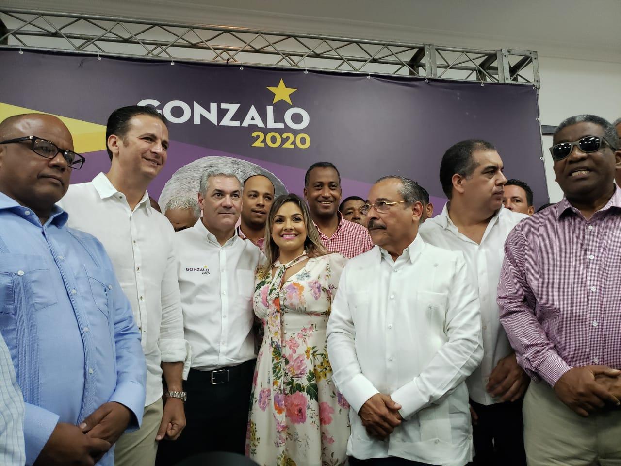Gonzalo Castillo realiza encuentro con dirigentes del PLD, empresarios y comunitarios en Puerto Plata
