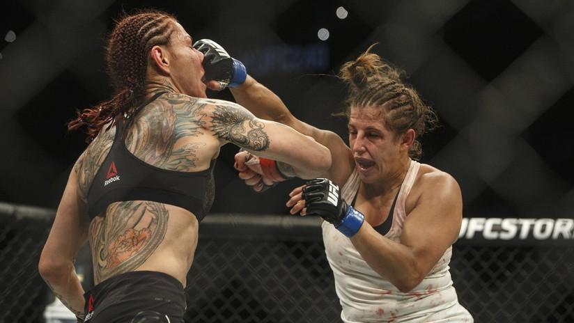 """""""¡Podía ver mi cráneo!"""": una excampeona de UFC sufre una profunda herida en el rostro durante un combate (FOTO)"""