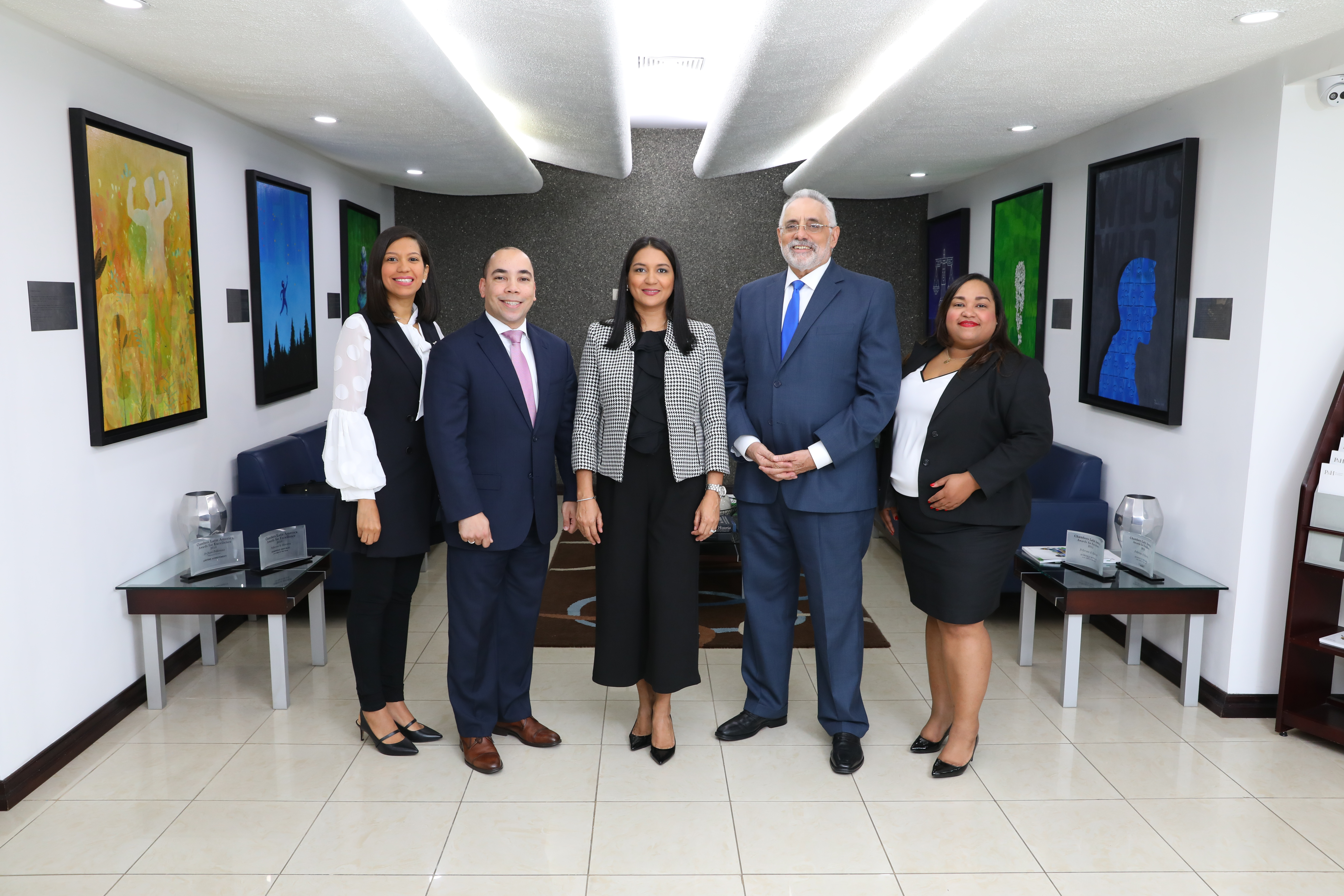 Directorio inglés Benchmark Litigation reconoce cinco abogados de Pellerano & Herrera