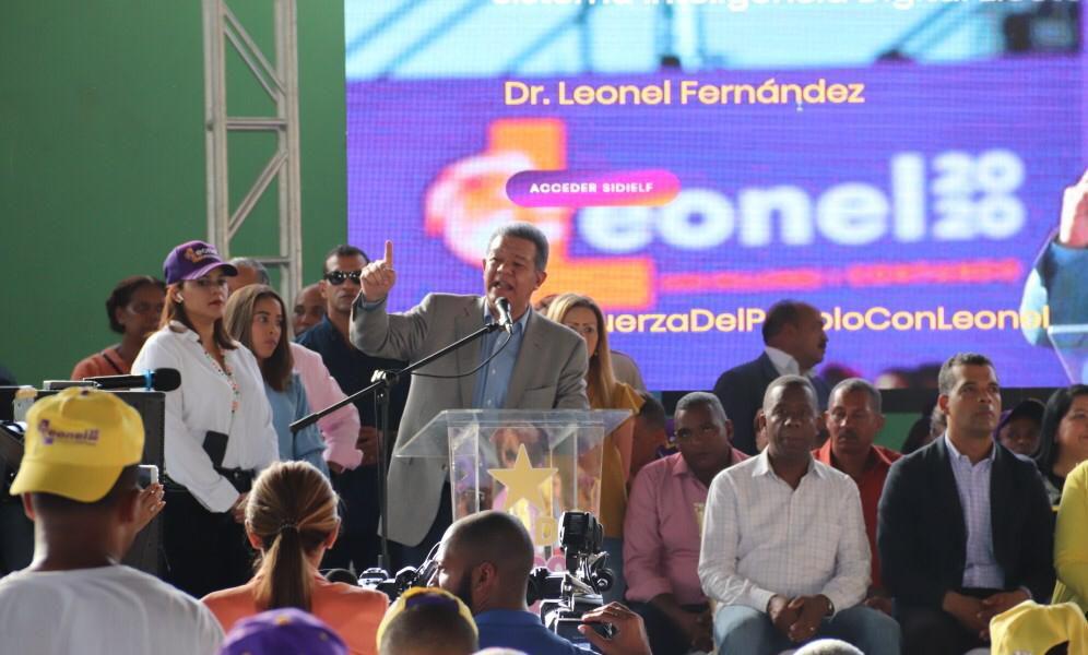 Leonel Fernández espera se cumpla acuerdo de alternancia para presidir Cámara de Diputados