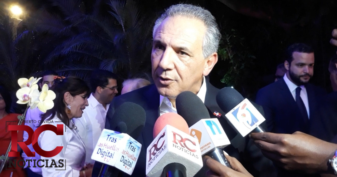 José Ramón Peralta explica las modificaciones que se han preparado para el traspaso de mando presidencial este 16 de agosto