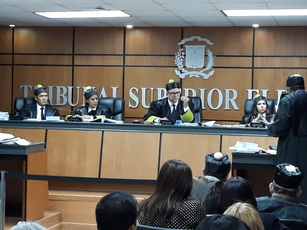 Solicitan al TSE declararse incompetente para conocer recurso de Leonel