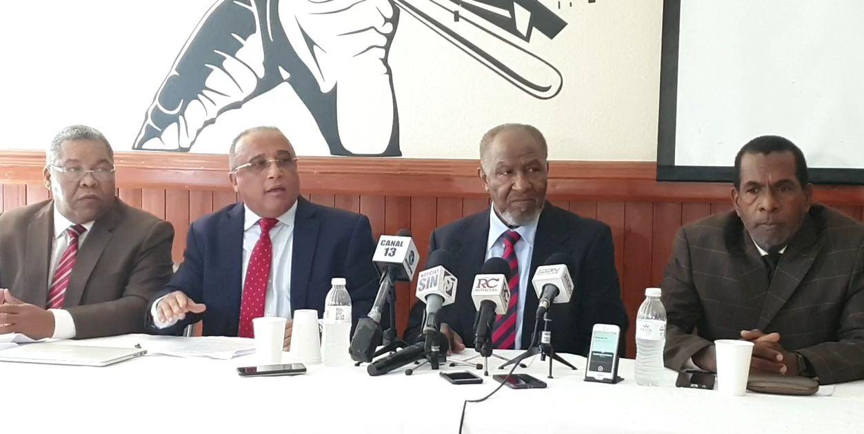 (Video): Osiris Guzmán dice es presidente legítimo de Federación Dominicana de Fútbol, a pesar de Tribunal encontrarlo culpable de soborno y enriquecimiento ilícito