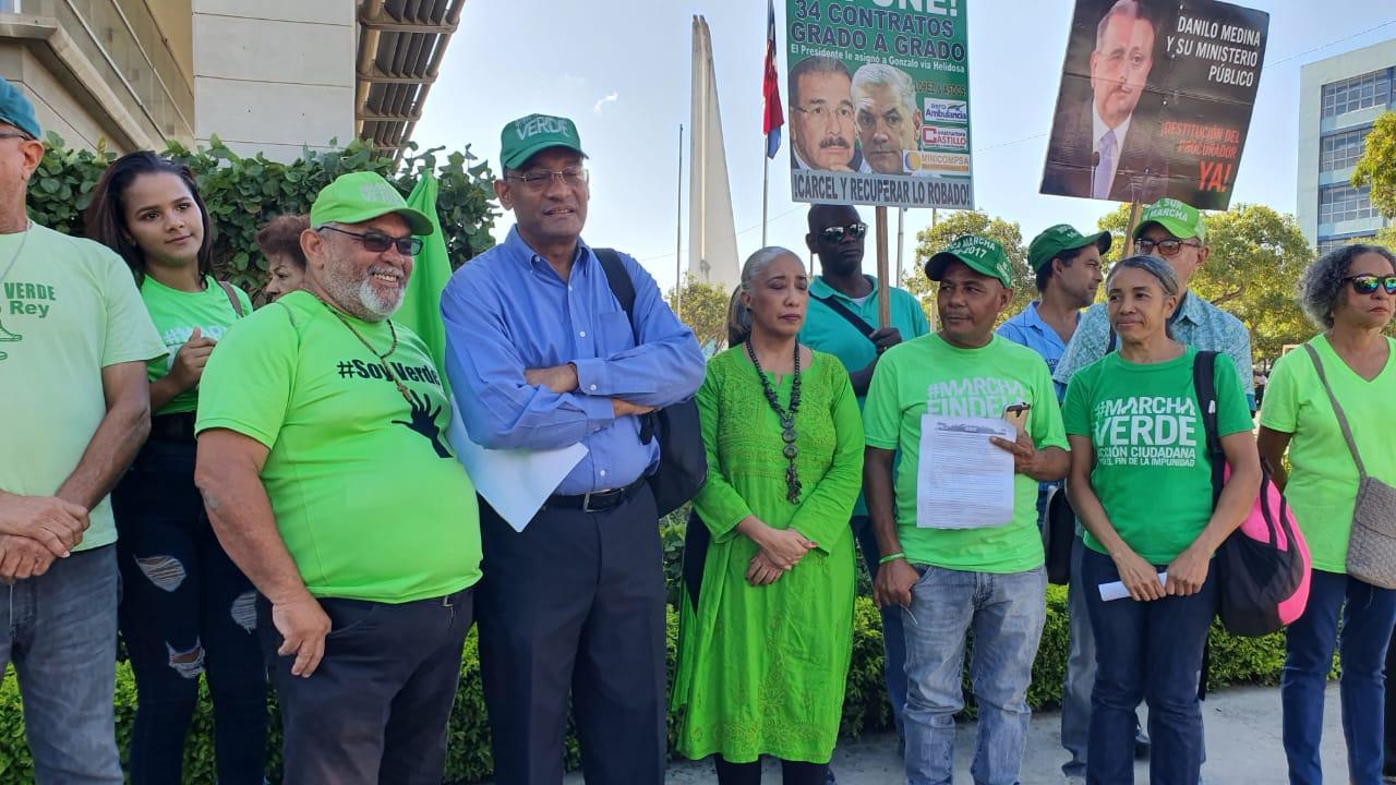 (Video): Marcha Verde deposita denuncia contra Gonzalo Castillo ante PEPCA