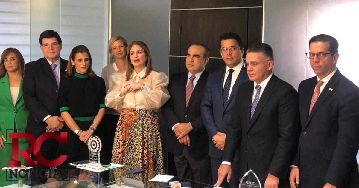 AIRD celebra live con candidatos a la presidencia