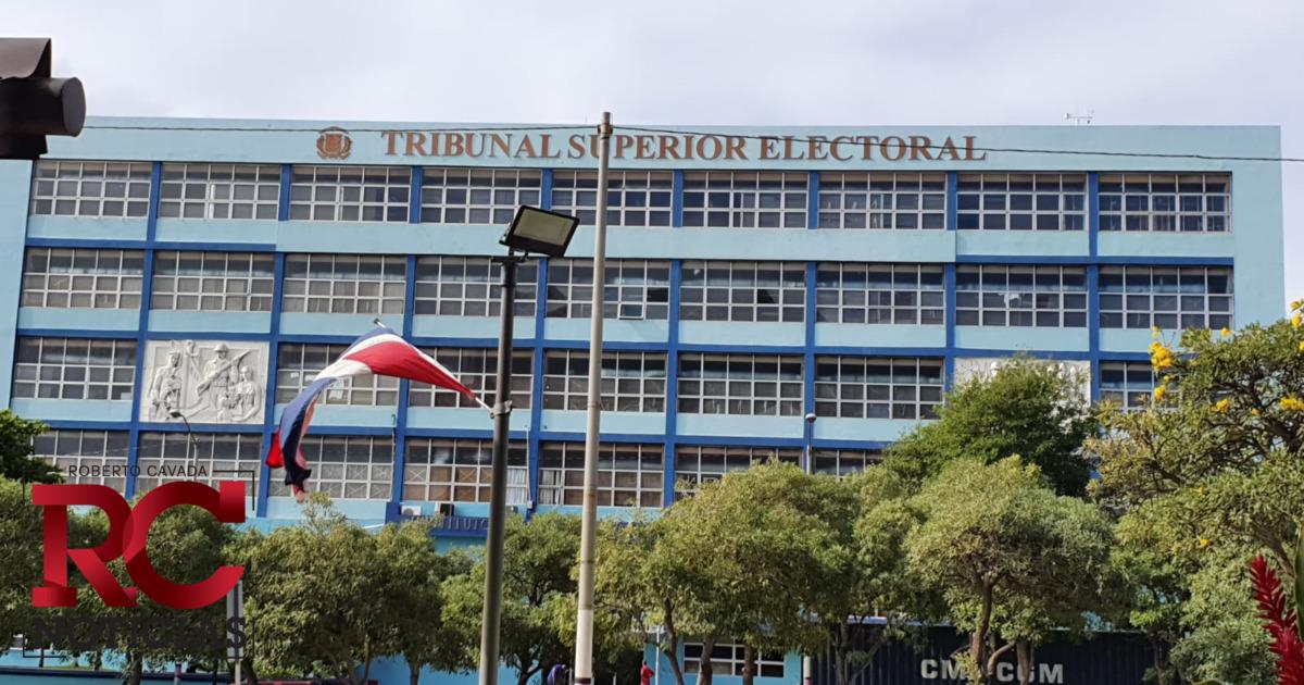 TSE ordena revisar el cuadre de 69 actas en colegios electorales de varias Juntas