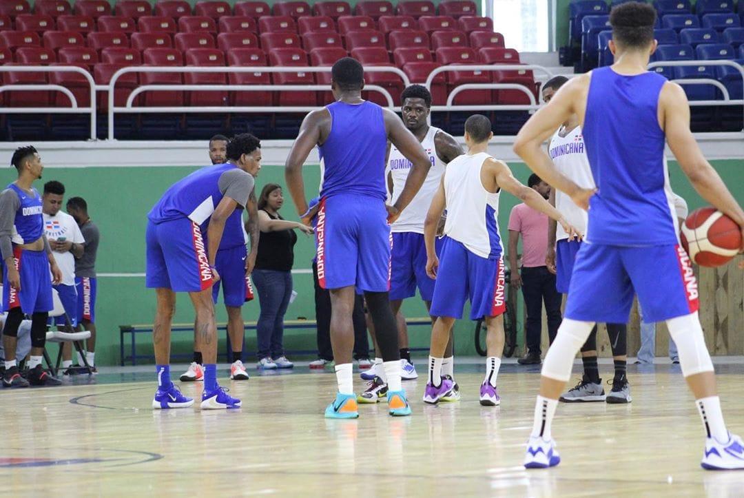 Video | Equipo dominicano de baloncesto recibe a Canadá esta noche en el Palacio de los Deportes en clasificatorio Americup