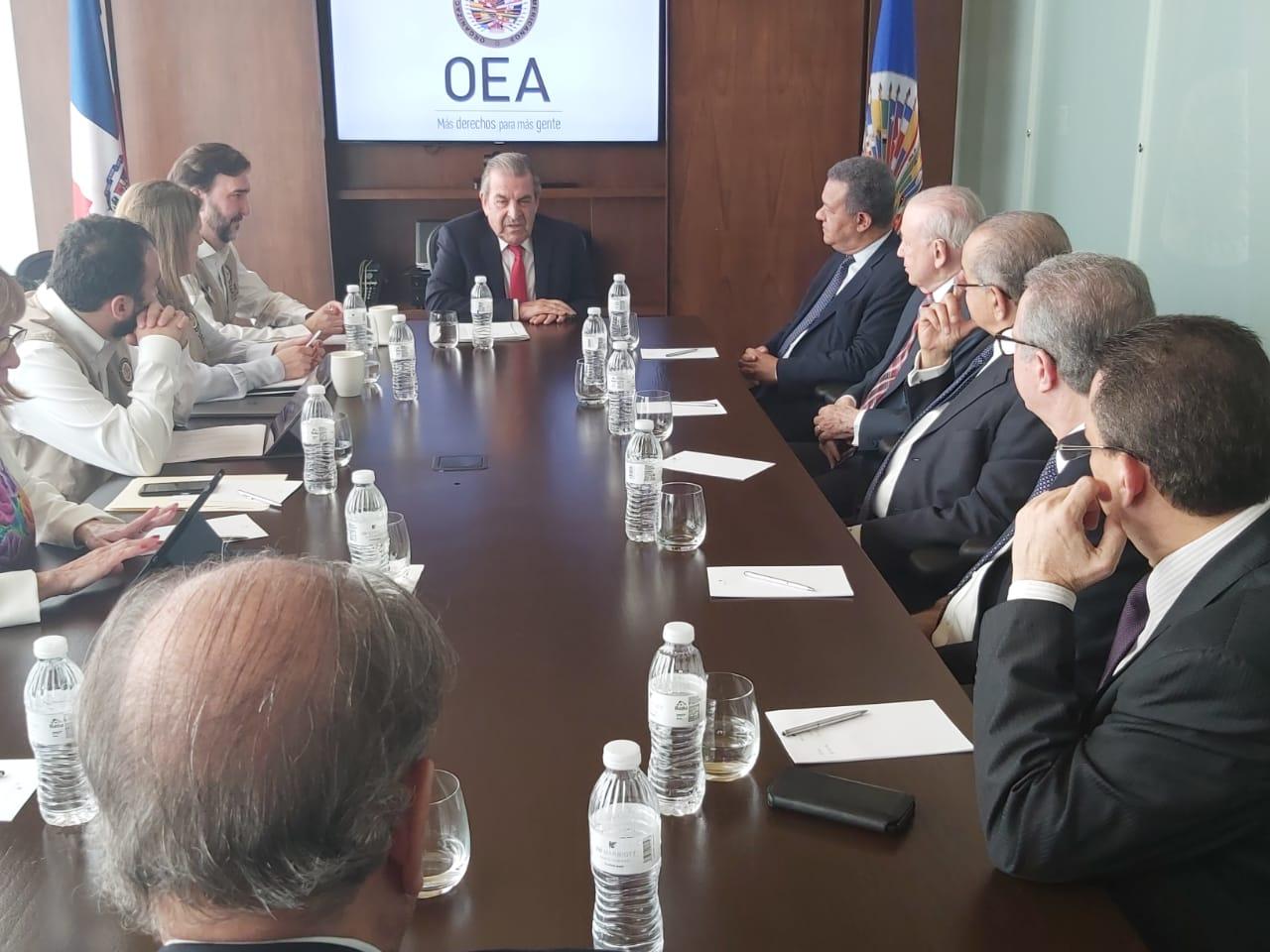 Video: Leonel trata con Misión de Observación Electoral de la OEA  situación electoral de RD