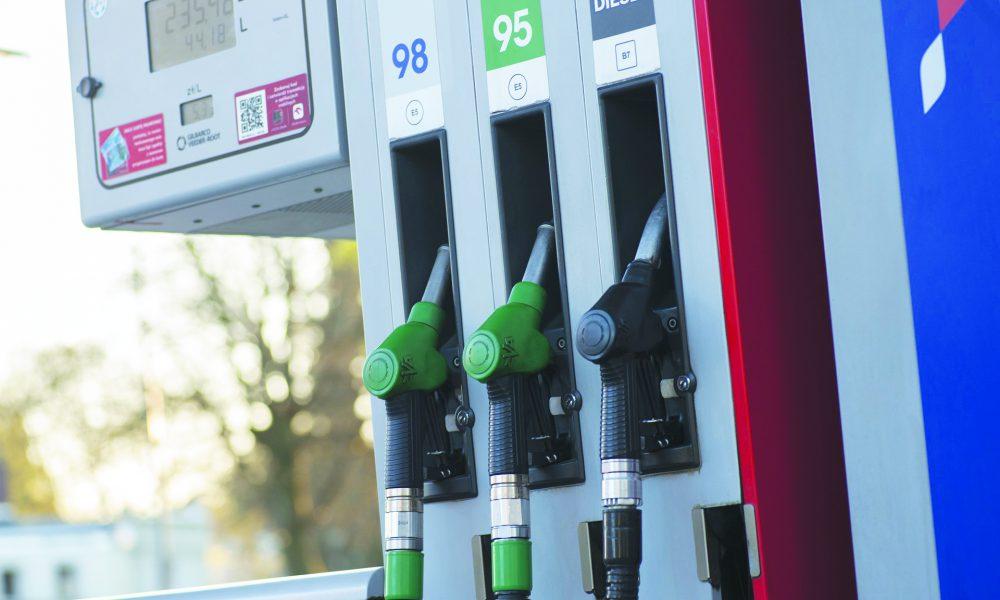 Todos los combustibles registran bajas de precio