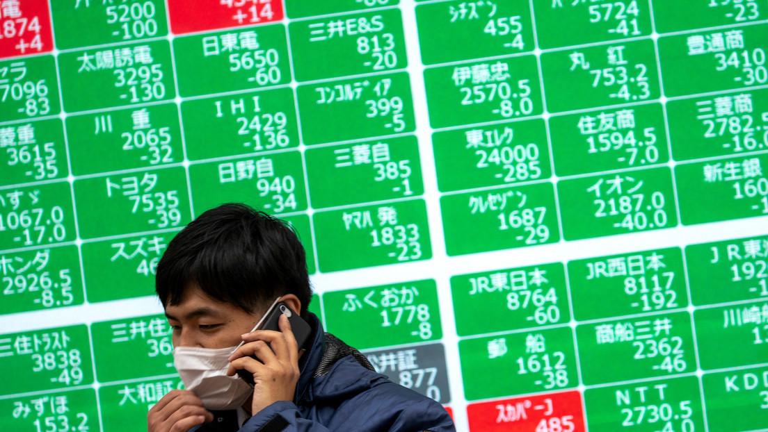 Los mercados mundiales se estrellan tras el desplome de los precios de petróleo