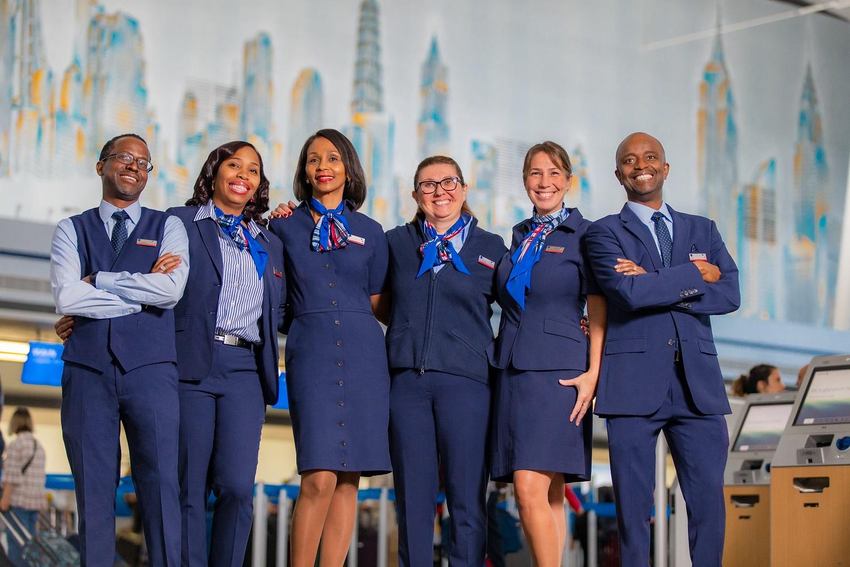 American Airlines estrena uniformes nuevos para más de 50,000 miembros de su equipo