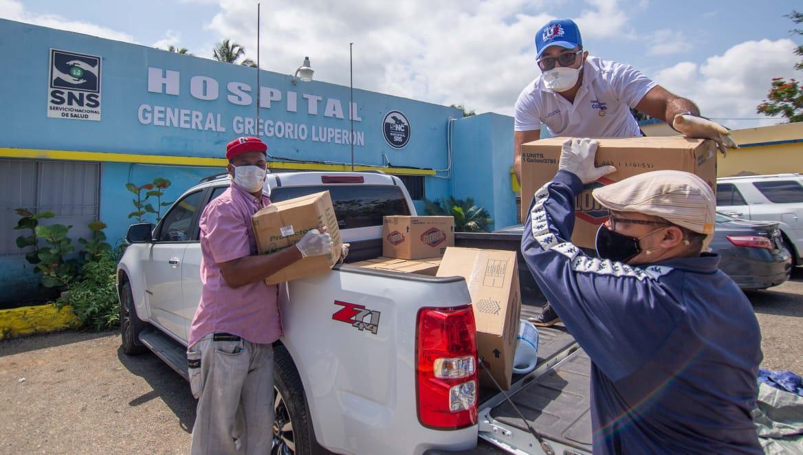 PRM y Abinader entregan alimentos y productos desinfectantes en Asilo de Ancianos y Hospital de Montellano