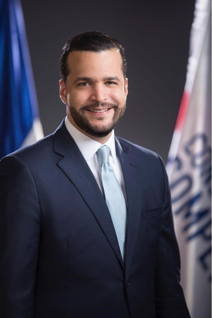 Rafael Paz propone bono de apoyo universitario para estudiantes de centros privados