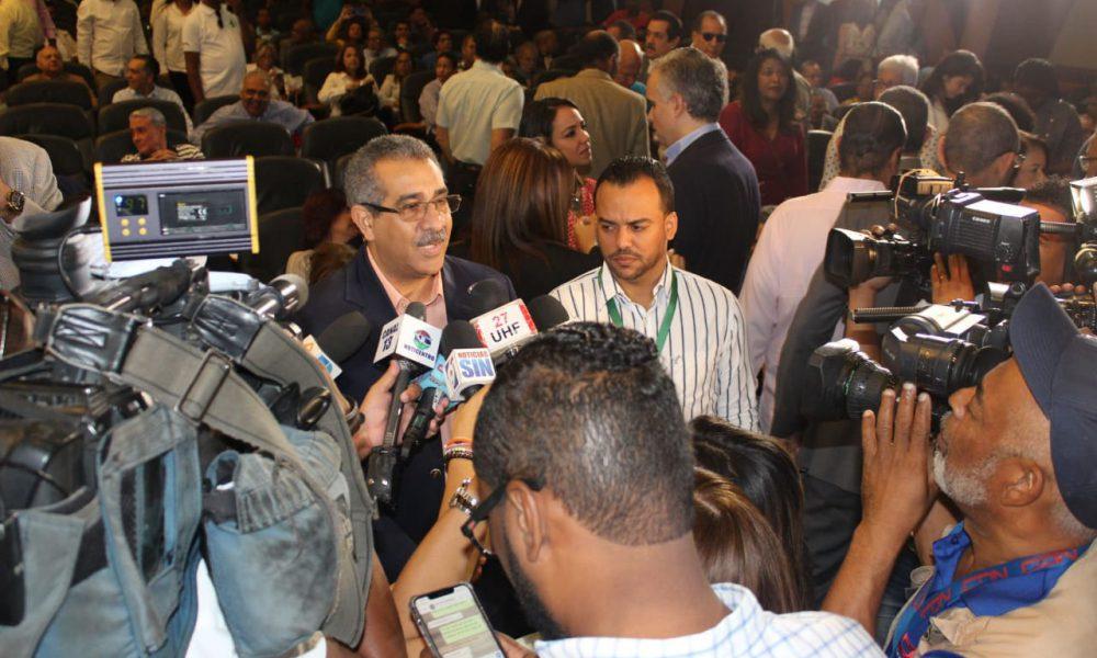 APD pleito del congreso auditar compras de Covid-19