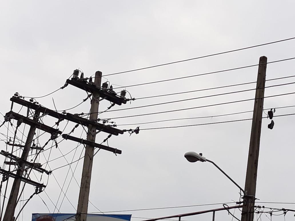 Organizaciones demandan rectificación y sanción a las EDEs por violar ley que regula mercado eléctrico del país