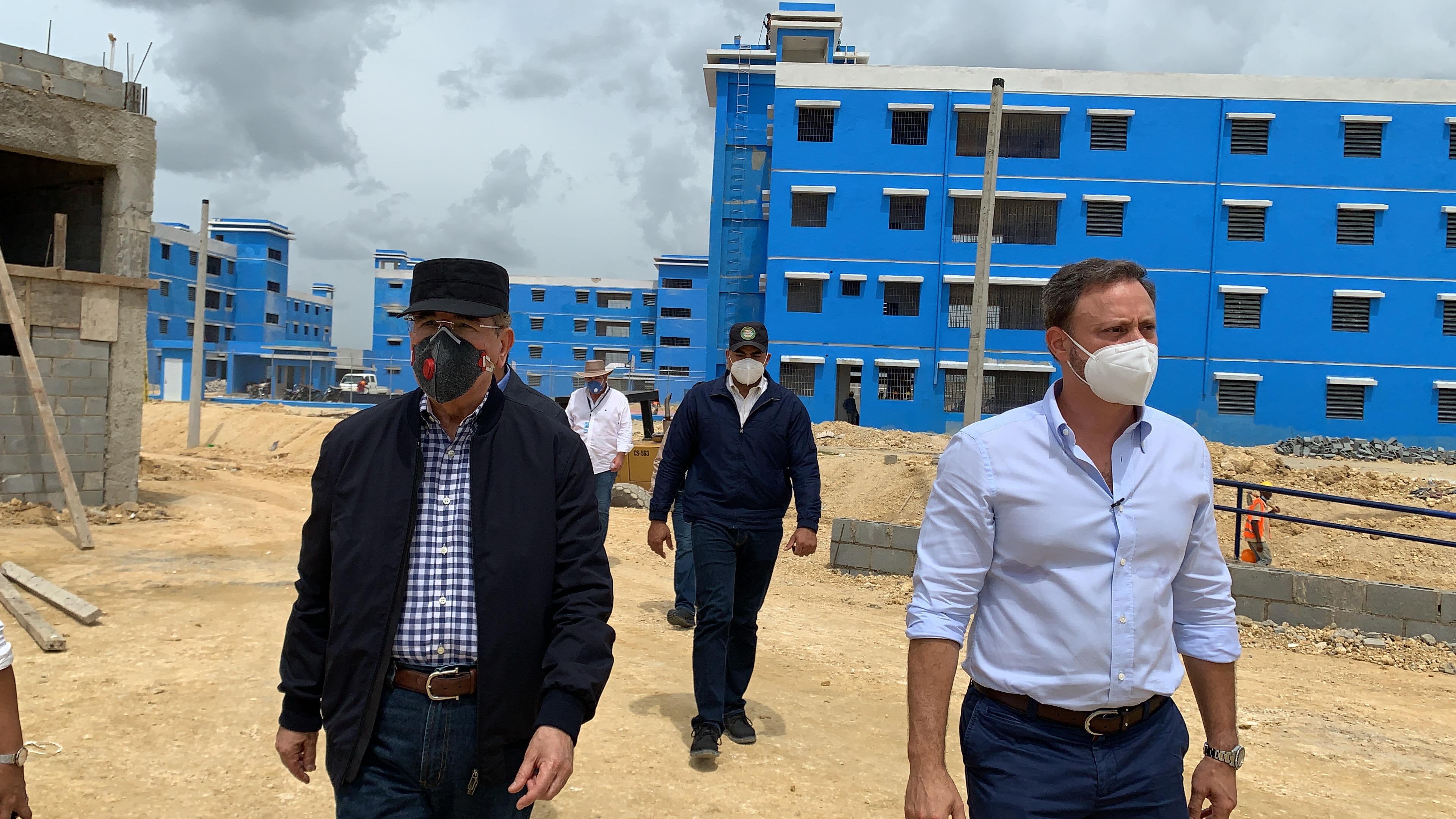 Video | Presidente Medina realiza recorrido de supervisión en La Nueva Victoria