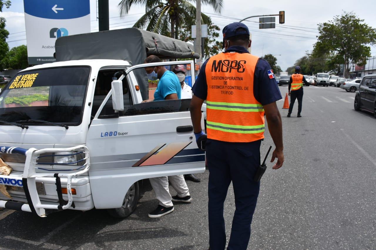 MOPC ofrece45 mil 748 asistenciasen las carreteras y autopistas del país durante COVID-19
