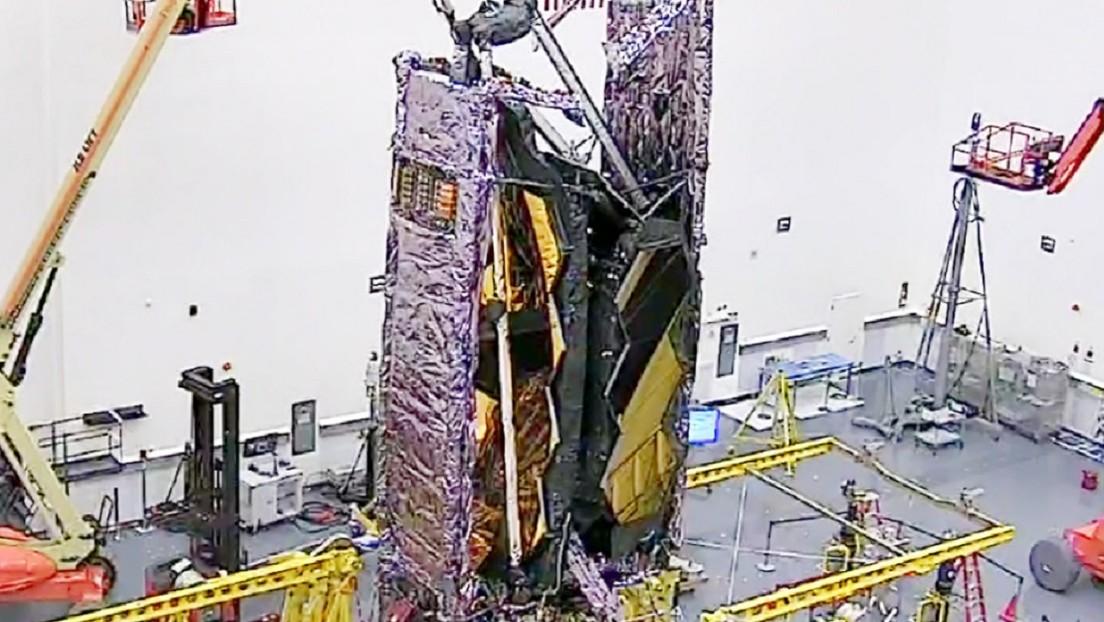 Video   La NASA pliega el telescopio espacial más potente del mundo y revela cómo será lanzado al espacio