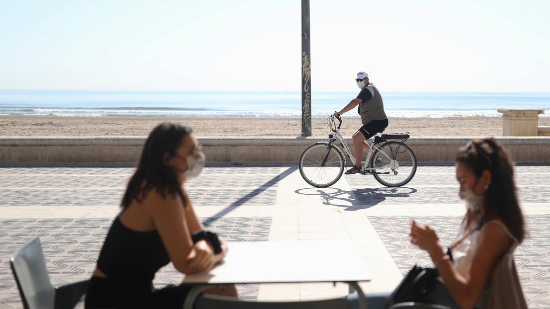 """España invita a los turistas extranjeros a """"planificar sus vacaciones"""" en el país a partir de julio"""