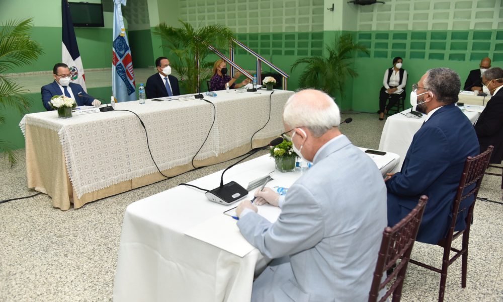 Ministro de Educación conforma Comisión de Alto Nivel para inicio de año escolar 2020-21