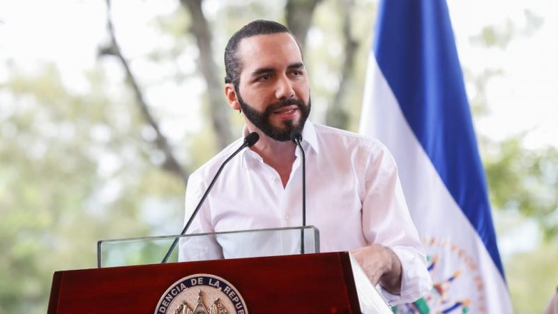 Nayib Bukele va en camino a convertirse en el primer dictador millennial: The Economist